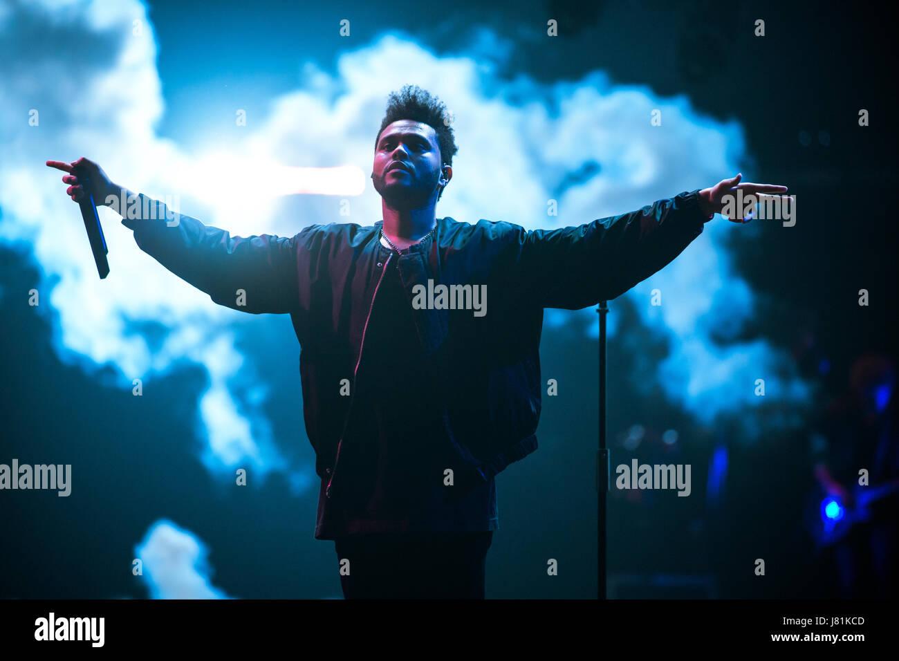 Toronto, Canadá. El 26 de mayo, 2017. La Weeknd juega a una muchedumbre natal vendió en el Air Canada Centre en su Starboy: la leyenda de la caída Tour. Crédito: Bobby Singh/Alamy Live News. Foto de stock
