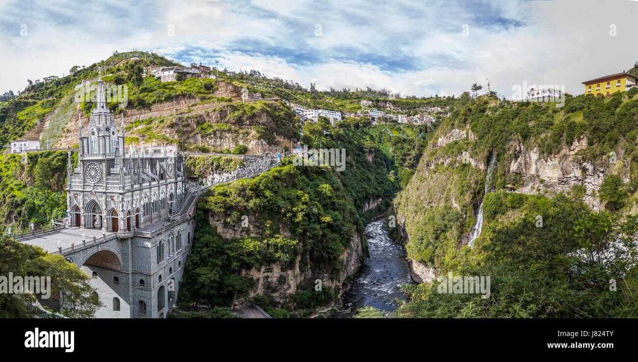 Vista panorámica del Santuario de Las Lajas - Ipiales, Colombia Foto de stock