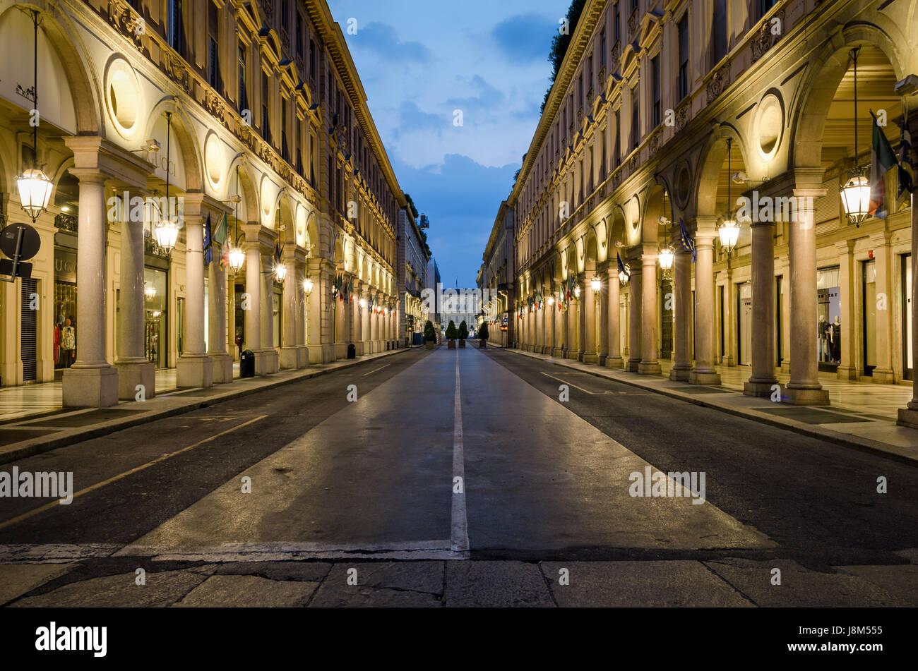 Torino, Via Roma Foto de stock