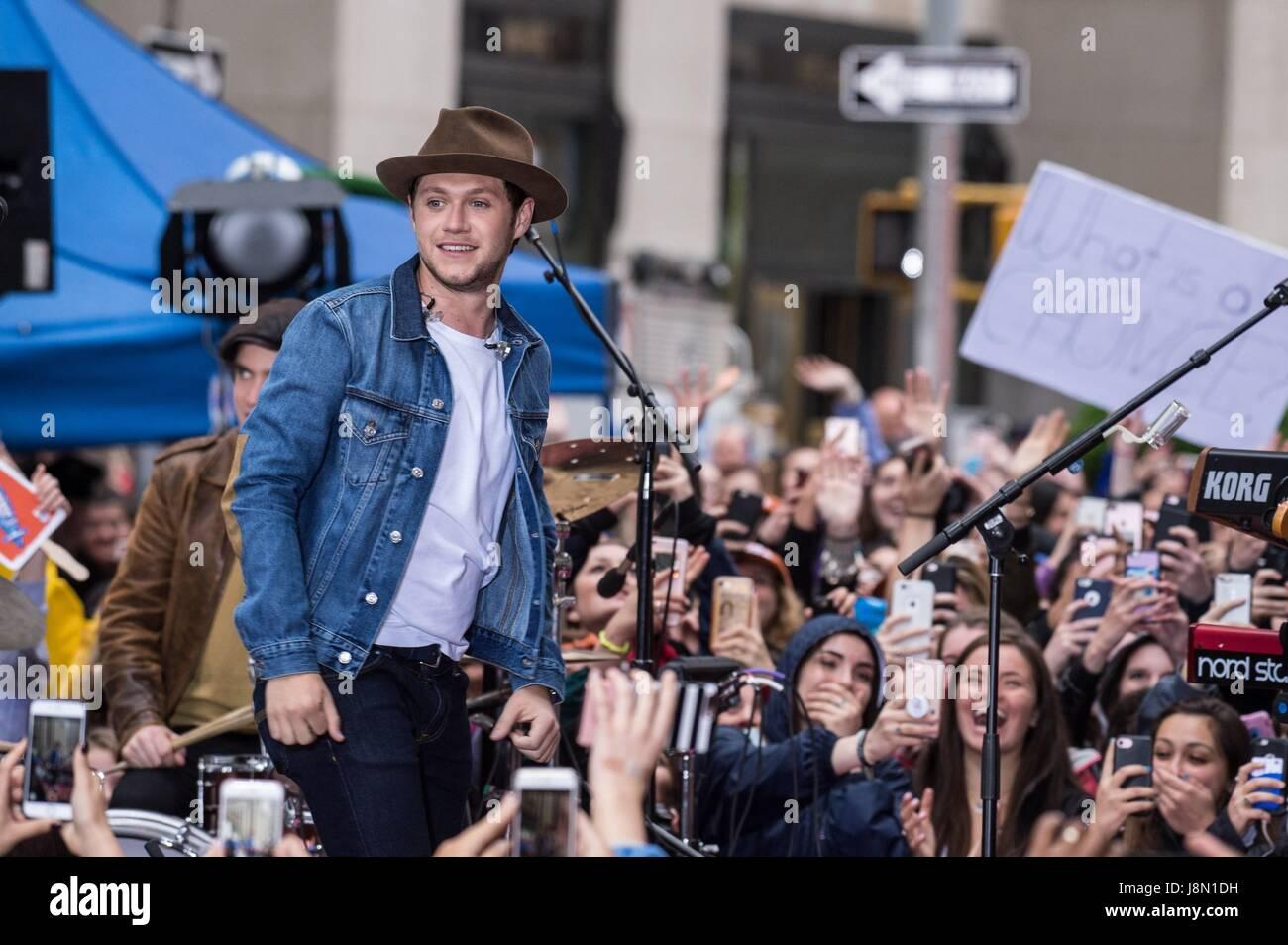Nueva York, NY, EUA. 29 Mayo, 2017. Niall Horan en el escenario para NBC Today Show Concert con Niall Horan, Rockefeller Imagen De Stock