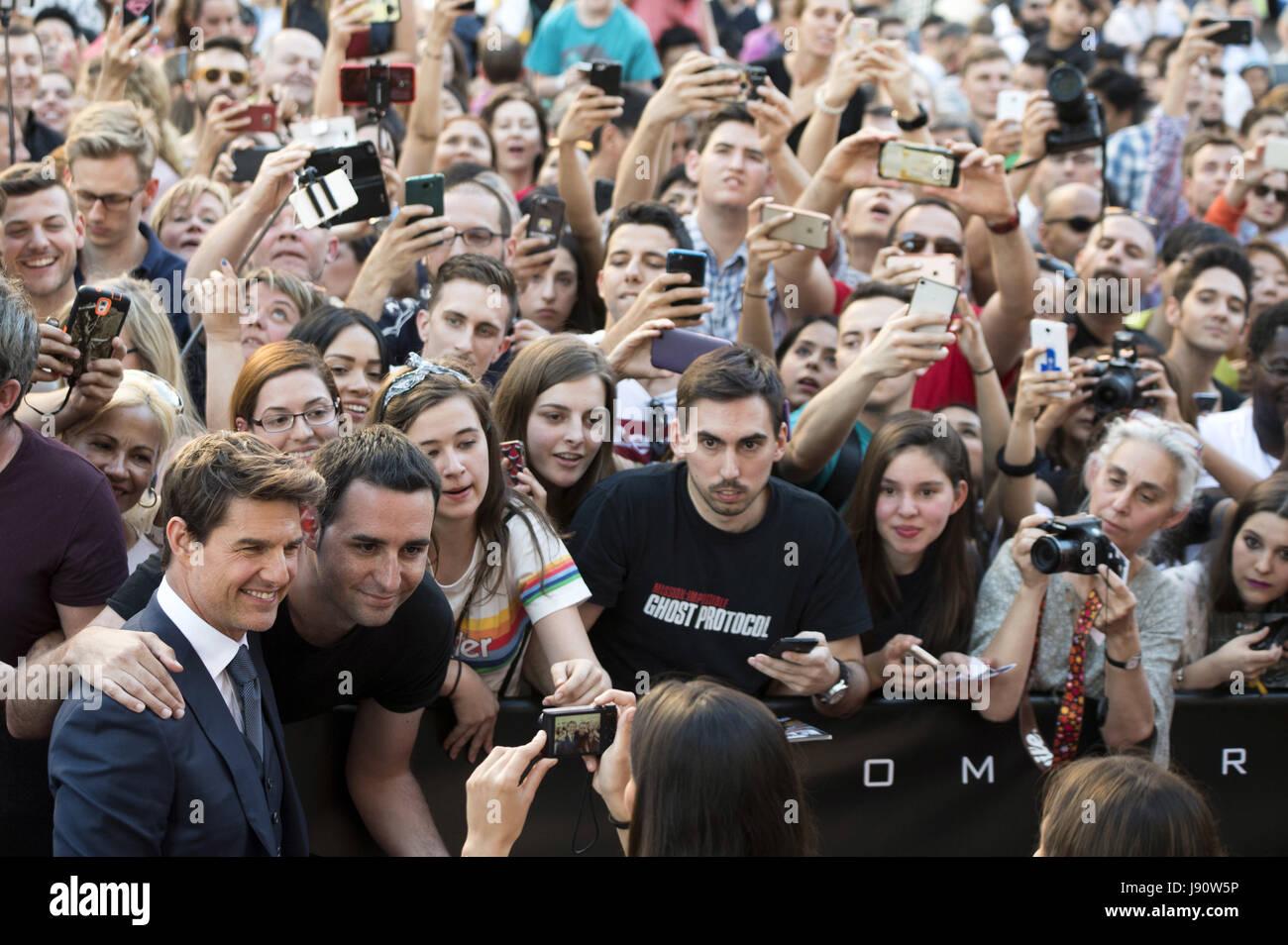 """Madrid, España. 29 Mayo, 2017. Tom Cruise asiste a """"La Momia"""" estreno en el Cine Callao el 29 de Imagen De Stock"""