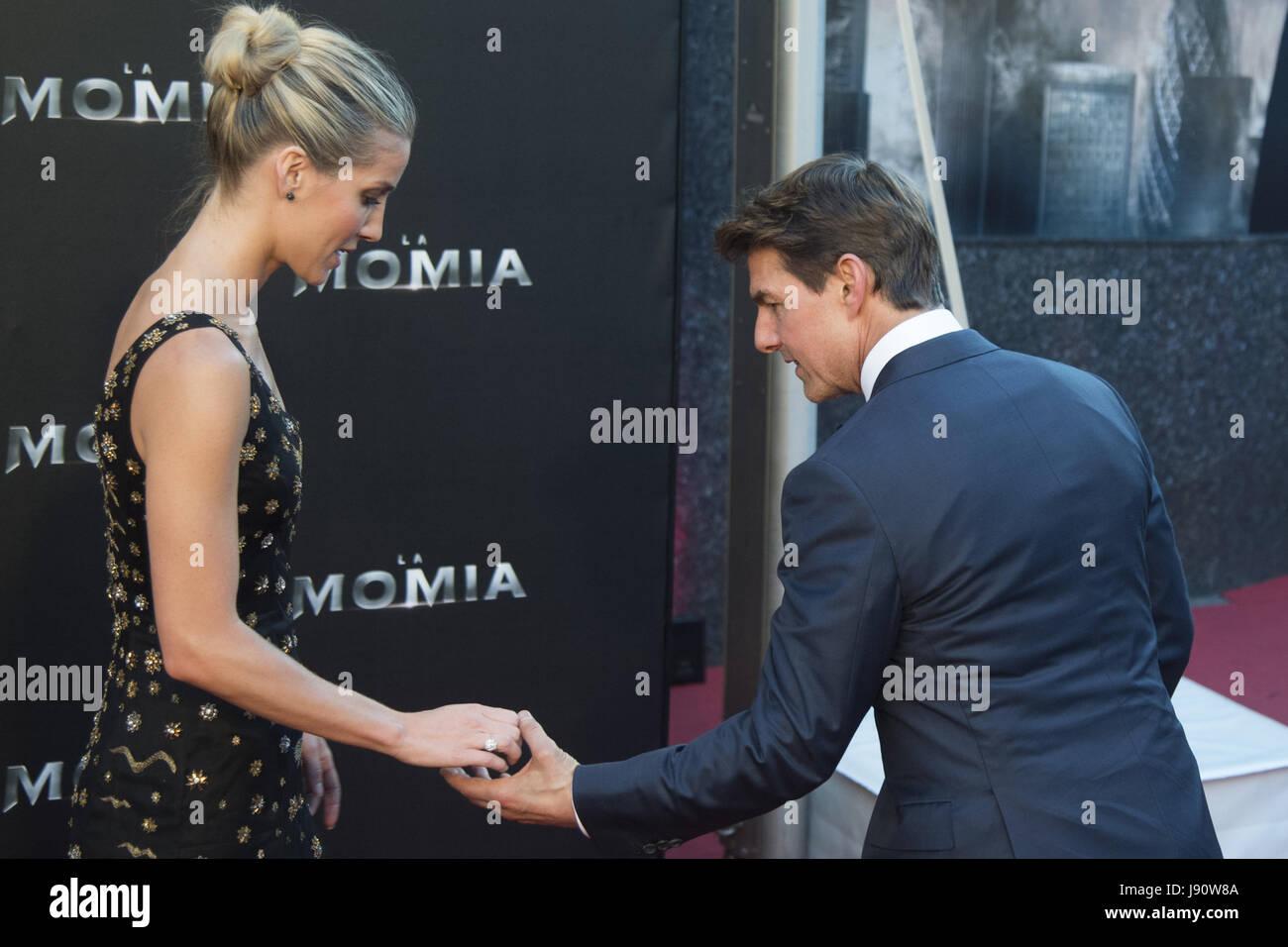 """Madrid, España. 29 Mayo, 2017. Annabelle Wallis y Tom Cruise asistir a """"La Momia"""" estreno en el Cine Imagen De Stock"""