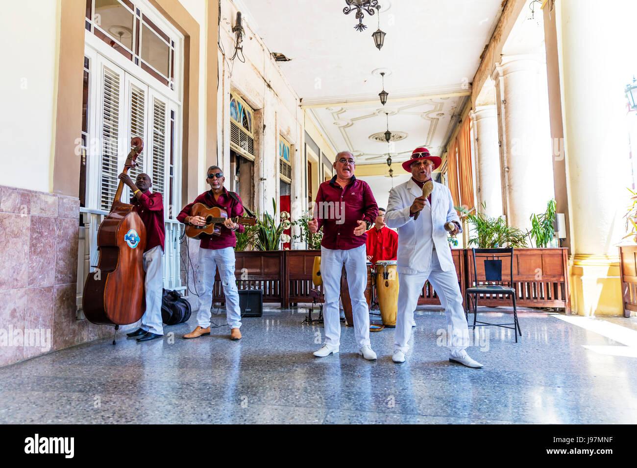 Banda Tocando Música Cubana Cuba La Habana Centro Habana