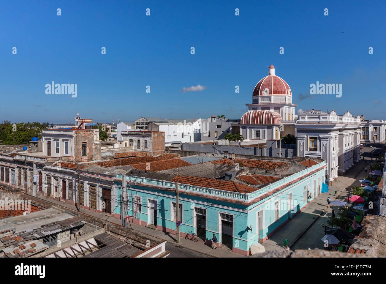 Antiguo Ayuntamiento, hogar del edificio del gobierno provincial de Cienfuegos, la UNESCO, Cuba, Las Antillas, Caribe Imagen De Stock