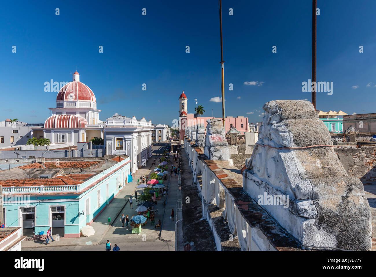 Antiguo Ayuntamiento, hogar del edificio del gobierno provincial, la UNESCO, la ciudad de Cienfuegos, Cuba, Las Imagen De Stock