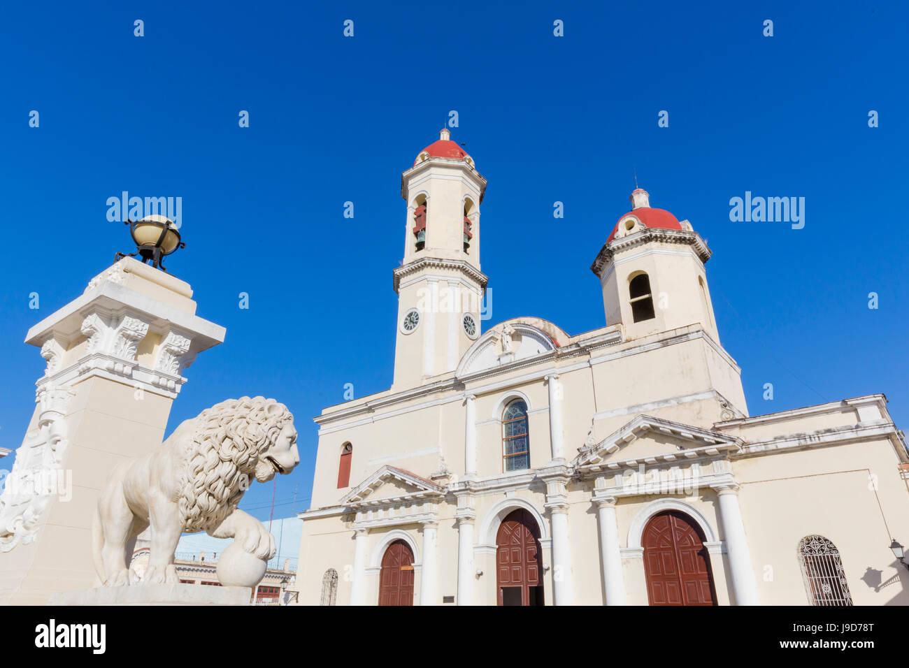 La Catedral de la Purísima Concepción, en la Plaza José Martí, Cienfuegos, Sitio del Patrimonio Imagen De Stock