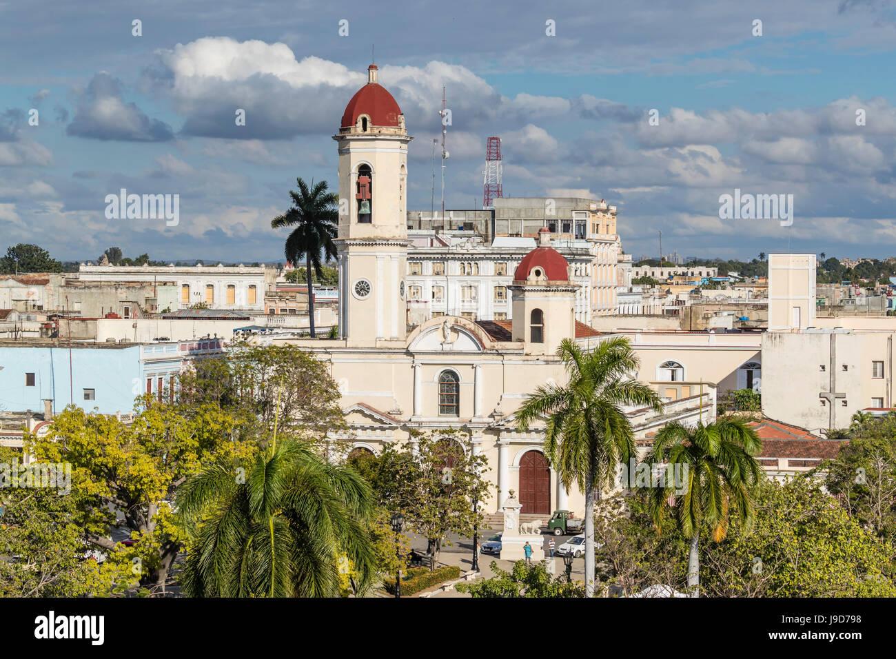 La Catedral de la Purísima Concepción, en la Plaza José Martí, Cienfuegos, Sitio del Patrimonio Mundial de la UNESCO, Foto de stock