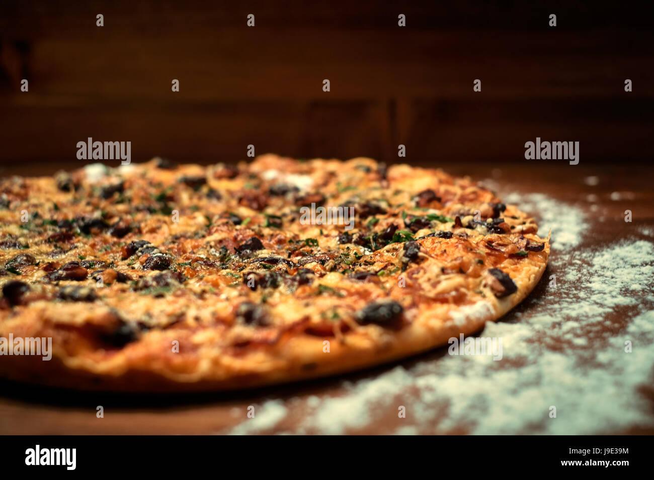 Deliciosa pizza italiana Foto de stock