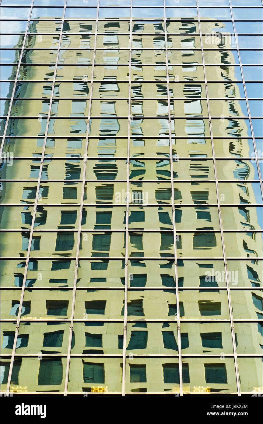 Construcción de reflexión, Nueva York, EE.UU. Foto de stock