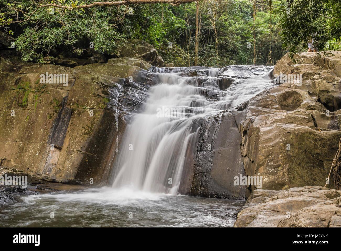 Cascada pala-U, Parque Nacional Kaeng Krachan, Tailandia Foto de stock