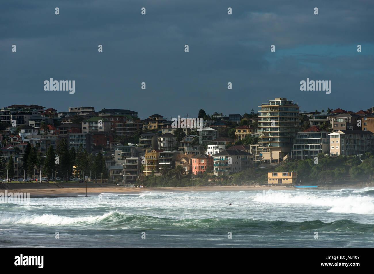 Manly Beach en un día tempestuoso. Playas del norte de Sydney, Australia. Imagen De Stock