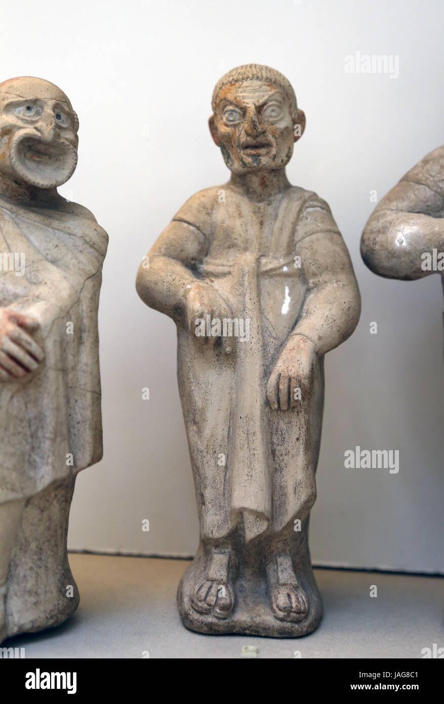 Figura de terracota de actor cómico. Etrusco. 2º ciento. BC. Canino, Italia. Actor vistiendo máscara Imagen De Stock