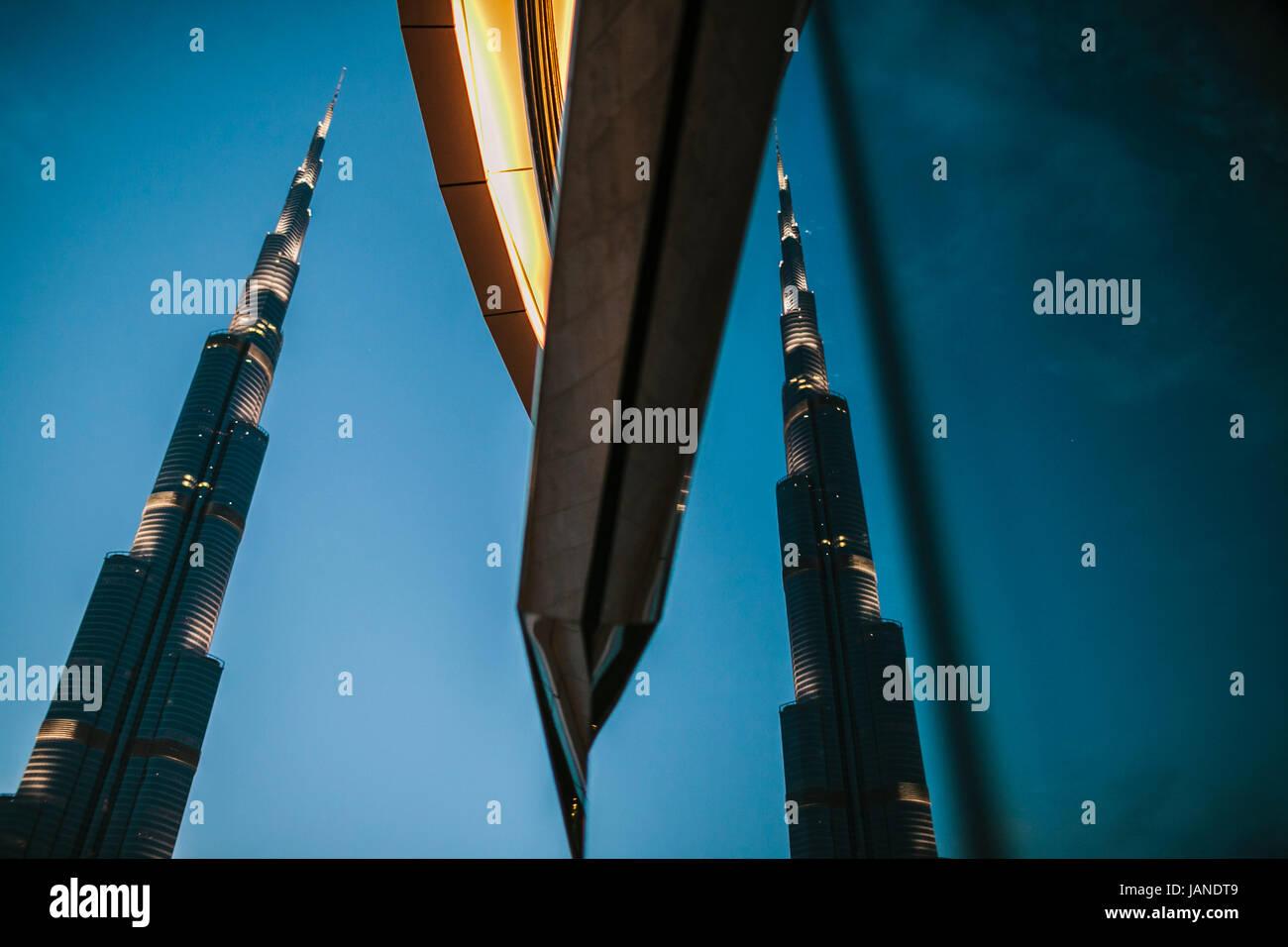 Reflejo de Burj Khalifa, Dubai, EAU Foto de stock