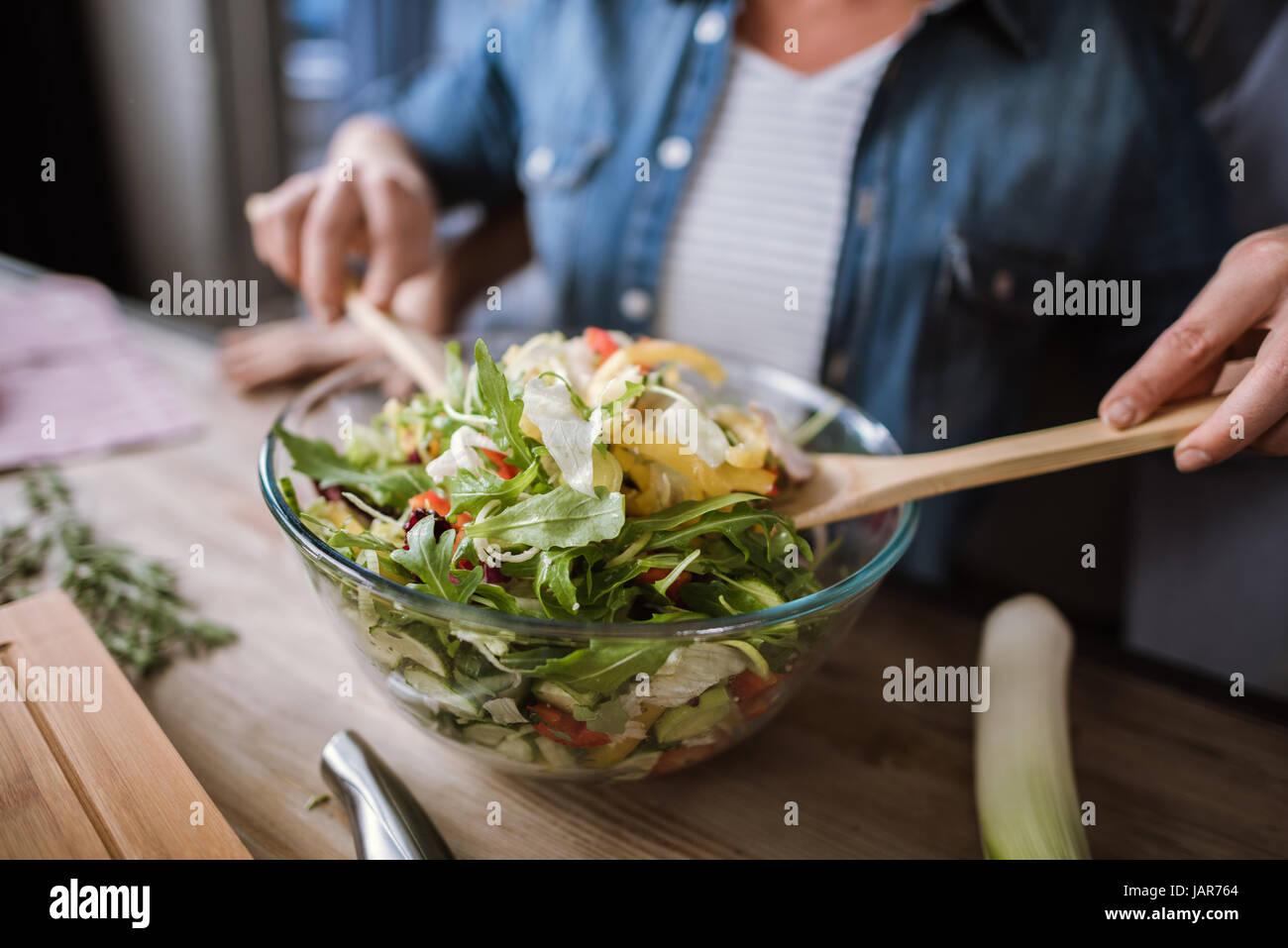 Par cocinar ensalada de verduras Imagen De Stock