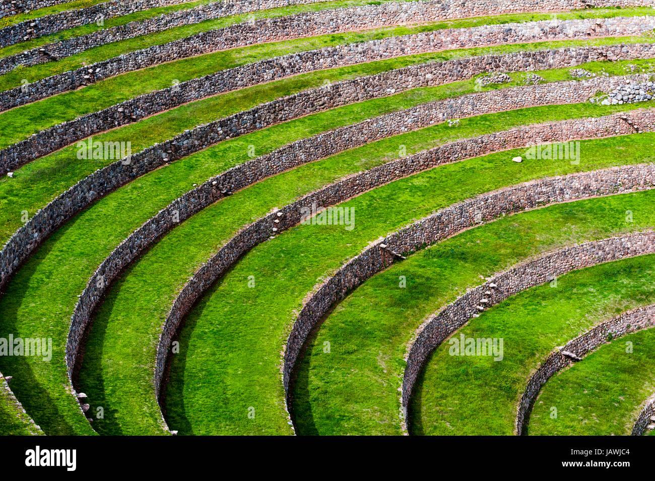 Un Sitio Inca Con Muro De Piedra De Terrazas Para El Cultivo