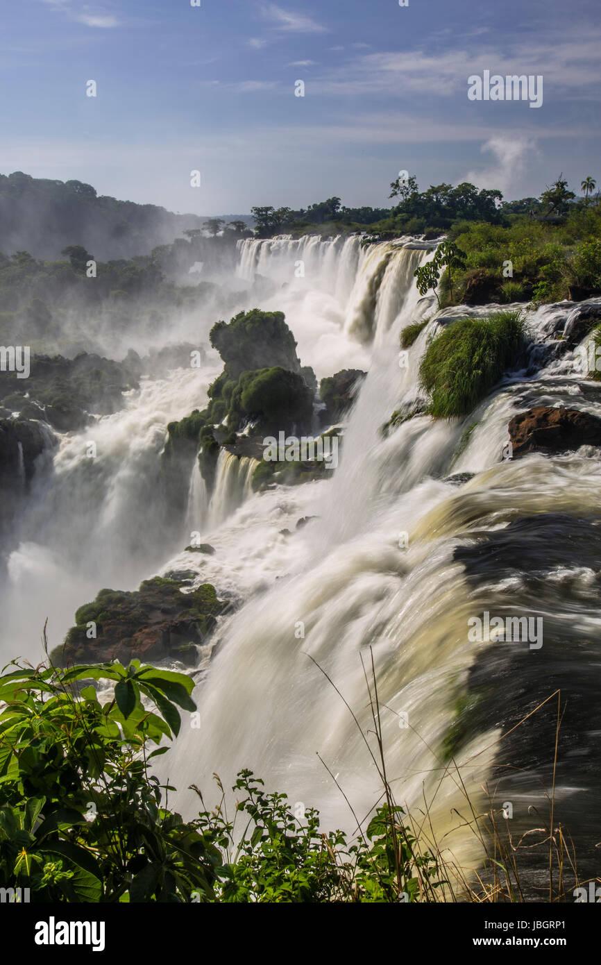 Las Cataratas del Iguazú Argentina y Brasil Imagen De Stock