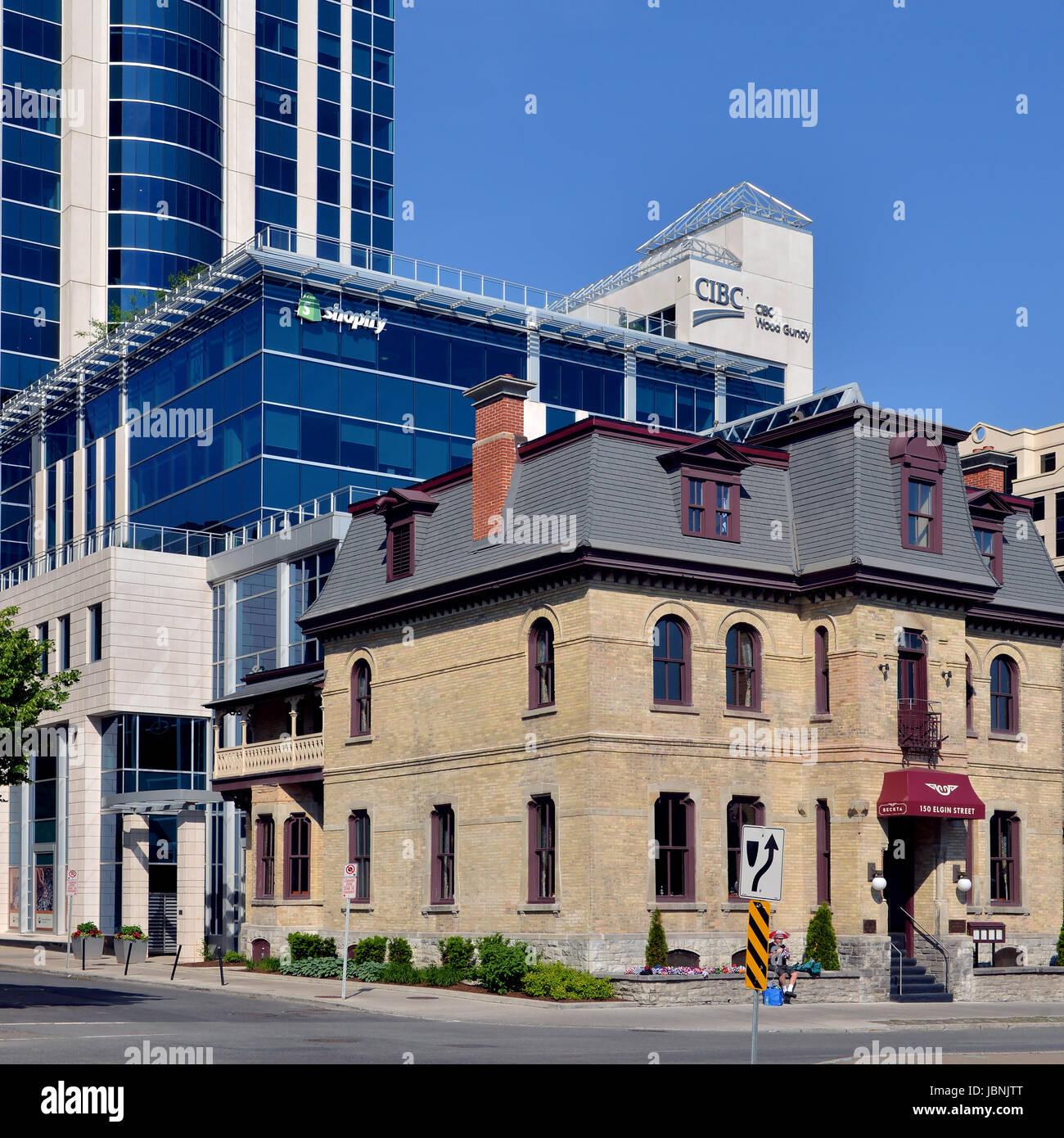 Ottawa, Canadá - Junio 11, 2017: la sede de la exitosa empresa de software Shopify en Elgin Street construido Imagen De Stock
