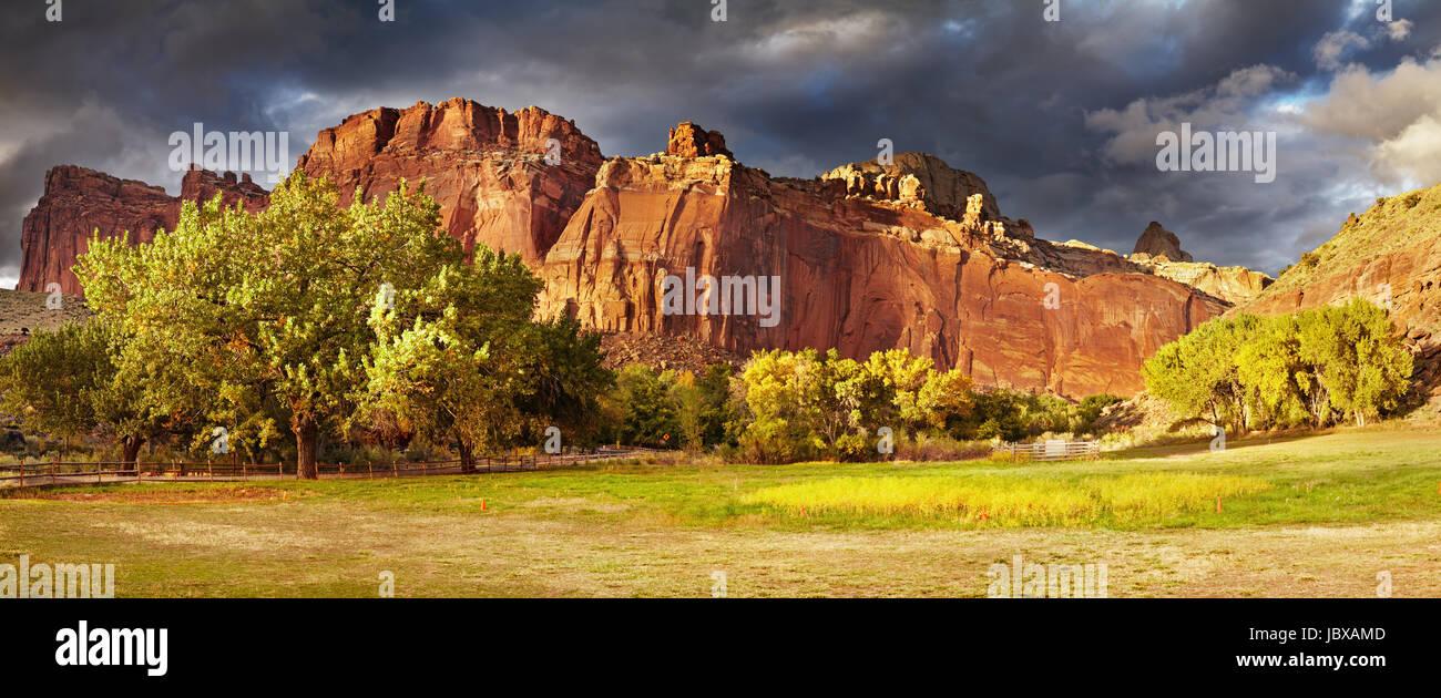 Fruita, el antiguo asentamiento Mormón, el Parque Nacional Capitol Reef, Utah, EE.UU. Imagen De Stock
