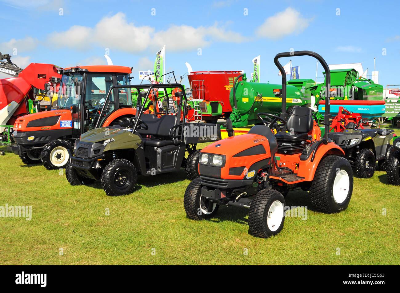 Los vehículos agrícolas maquinaria agrícola Plant Hire ventas muestran Imagen De Stock