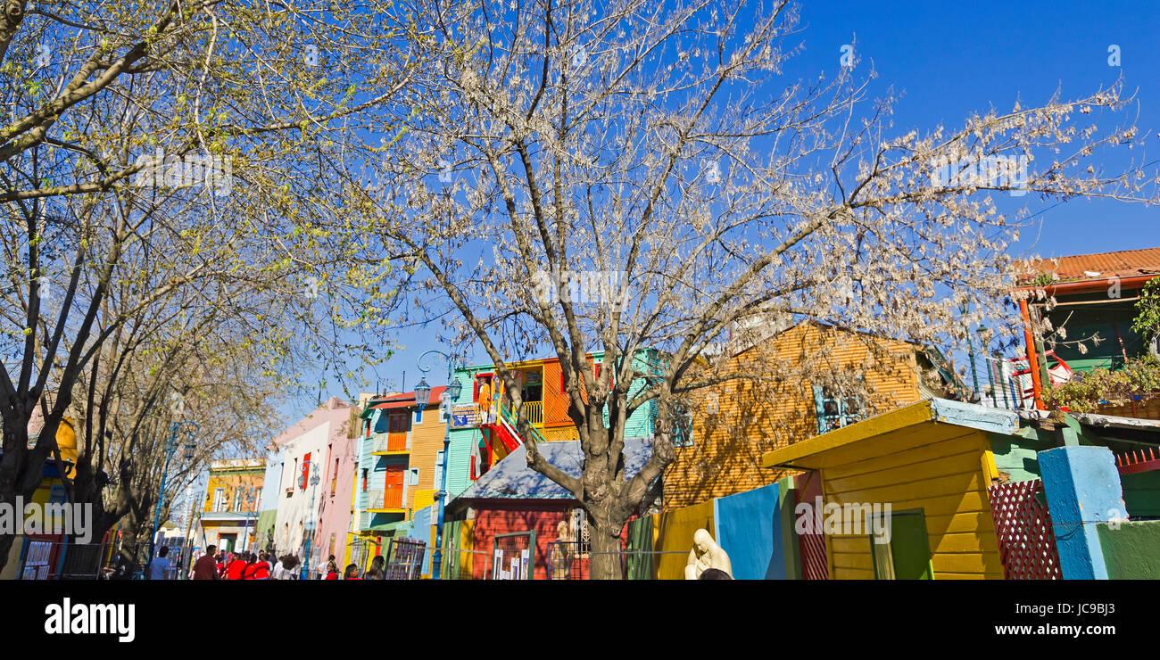 BUENOS AIRES - SEP 13: Caminito Ver el 13 de septiembre de 2012 en Buenos Aires. Caminito es un callejón tradicional, Imagen De Stock