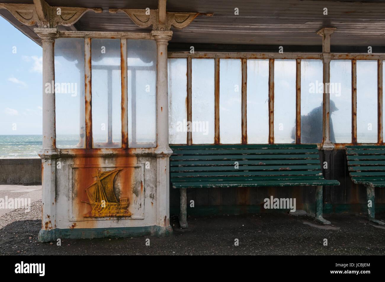 Abrigo de viento, la playa de Brighton, Reino Unido Imagen De Stock