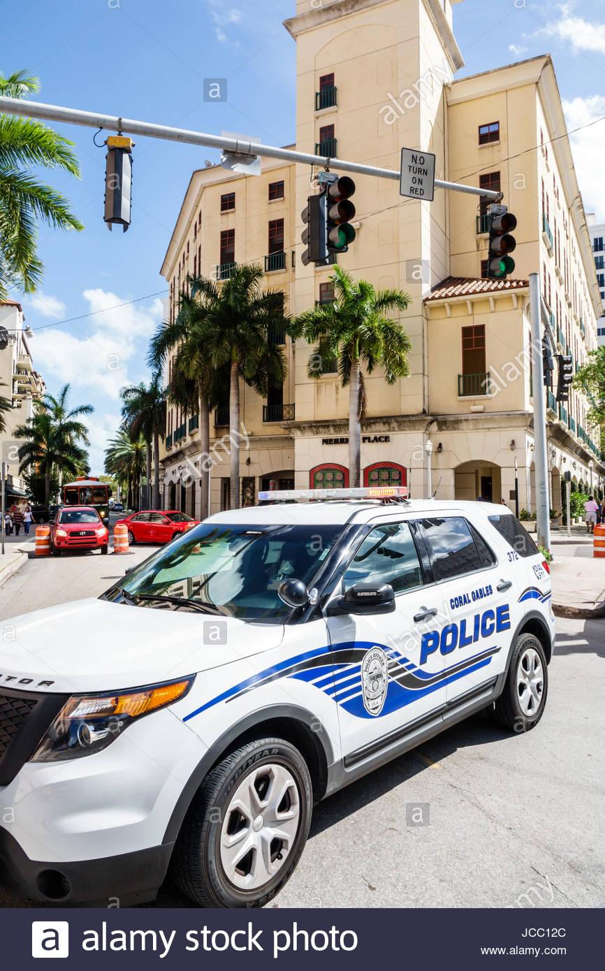 La policía de Miami, Coral Gables Florida vehículo SUV bloqueando el tráfico de aplicación de Imagen De Stock