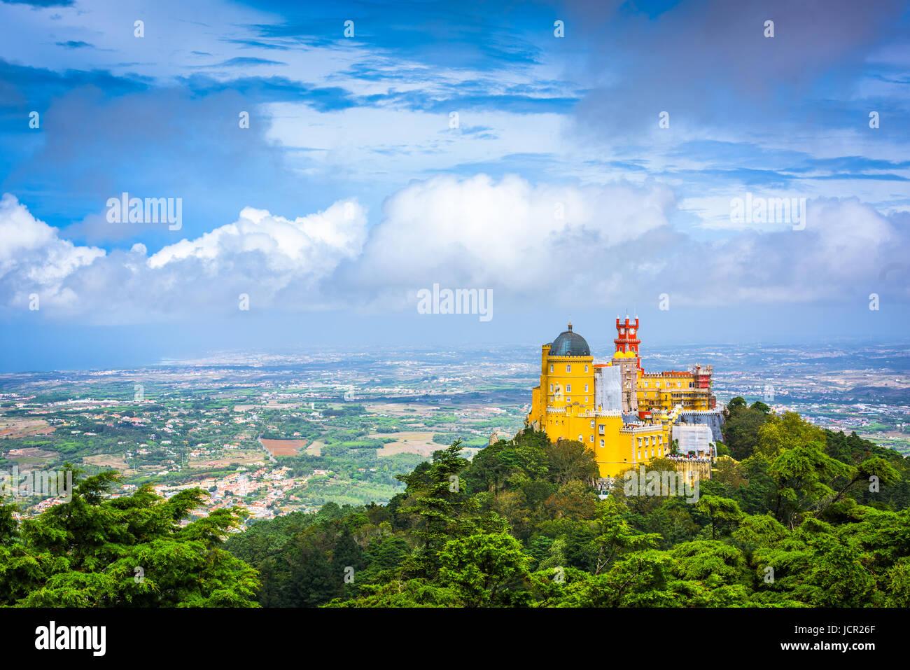 Sintra, Portugal, en el Palacio Nacional de la pena. Imagen De Stock