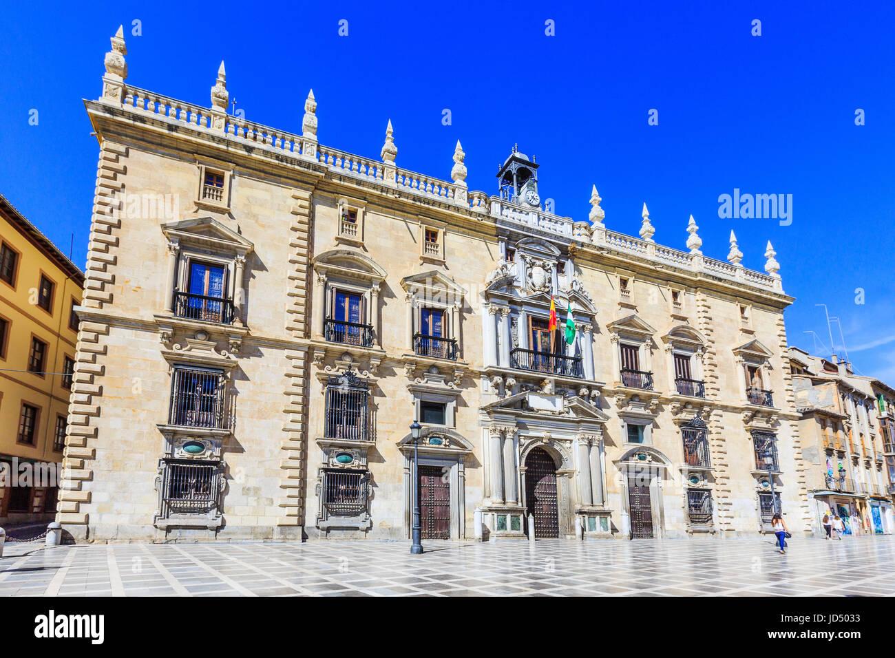 Granada, España. Real Chancillería (Tribunal Supremo de Andalucía) en la Plaza Nueva. Imagen De Stock