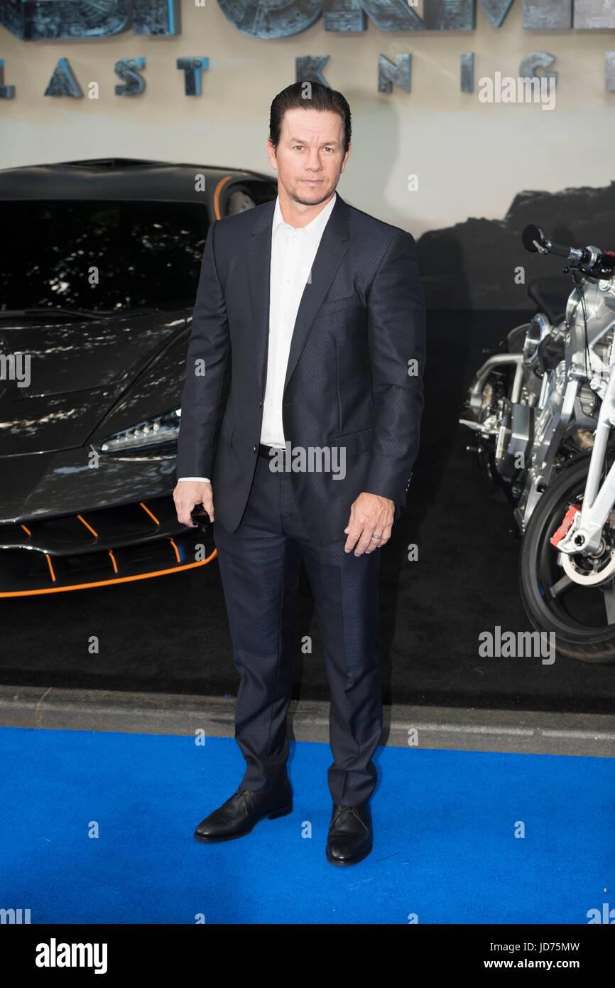 Mark Wahlberg asiste al estreno mundial de TRANSFORMERS: El último caballero. Londres, Reino Unido. 18/06/2017 Imagen De Stock