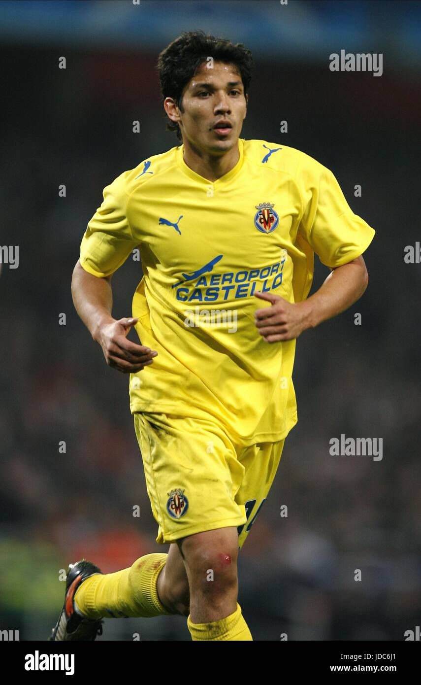 MATI FERNÁNDEZ Villarreal CF Emirates Stadium de Londres, Inglaterra 15 de abril de 2009. Foto de stock