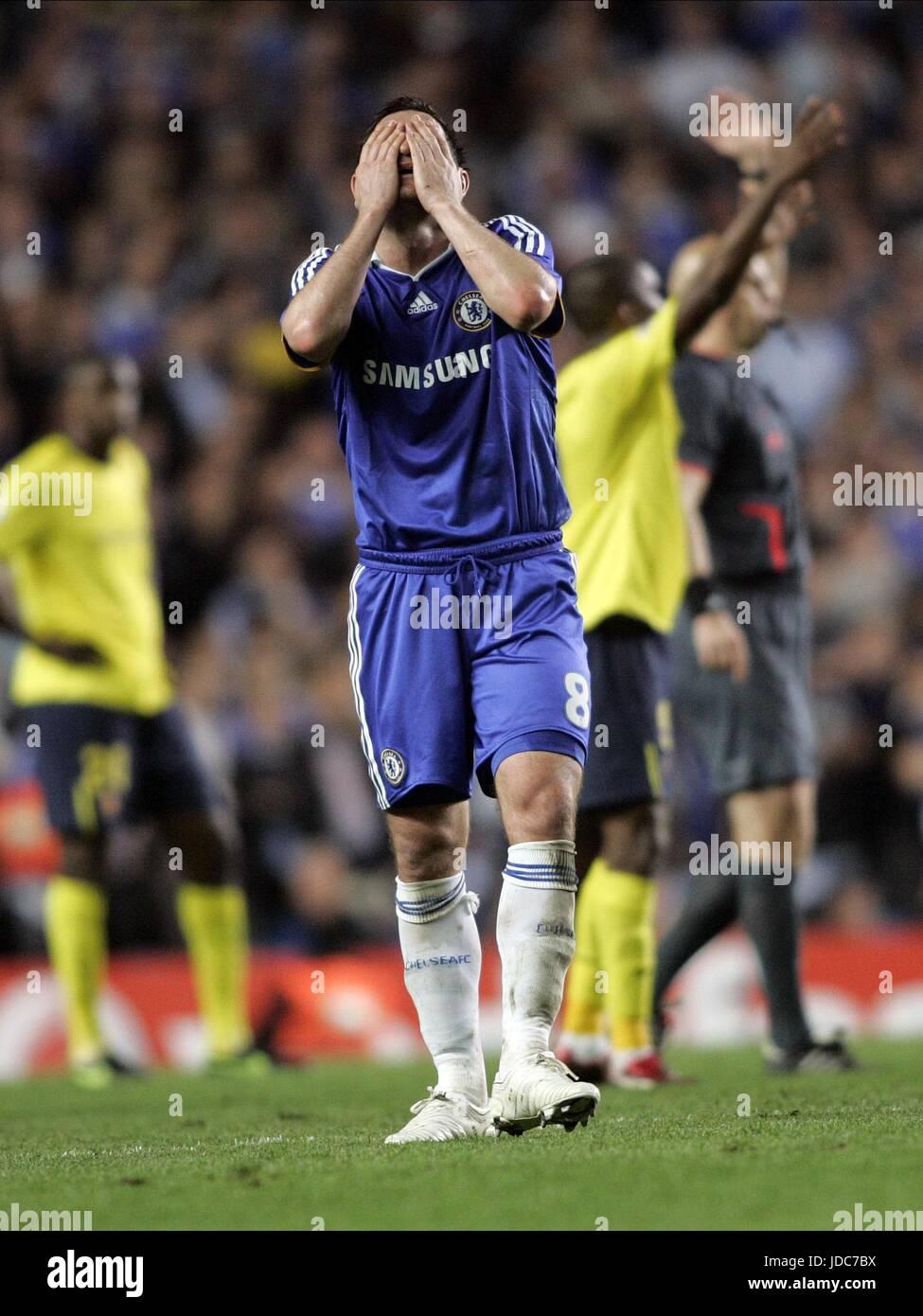 FRANK LAMPARD ABATIMIENTO Stamford Bridge Chelsea FC de Londres, Inglaterra el 06 de mayo de 2009 Imagen De Stock
