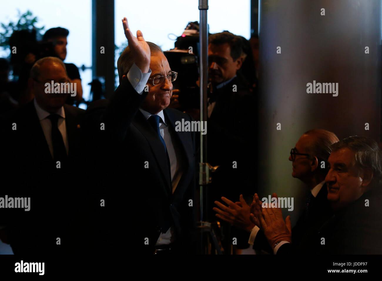 """Florentino Pérez durante es la reelección como presidente del Real Madrid""""s club de fútbol en Imagen De Stock"""