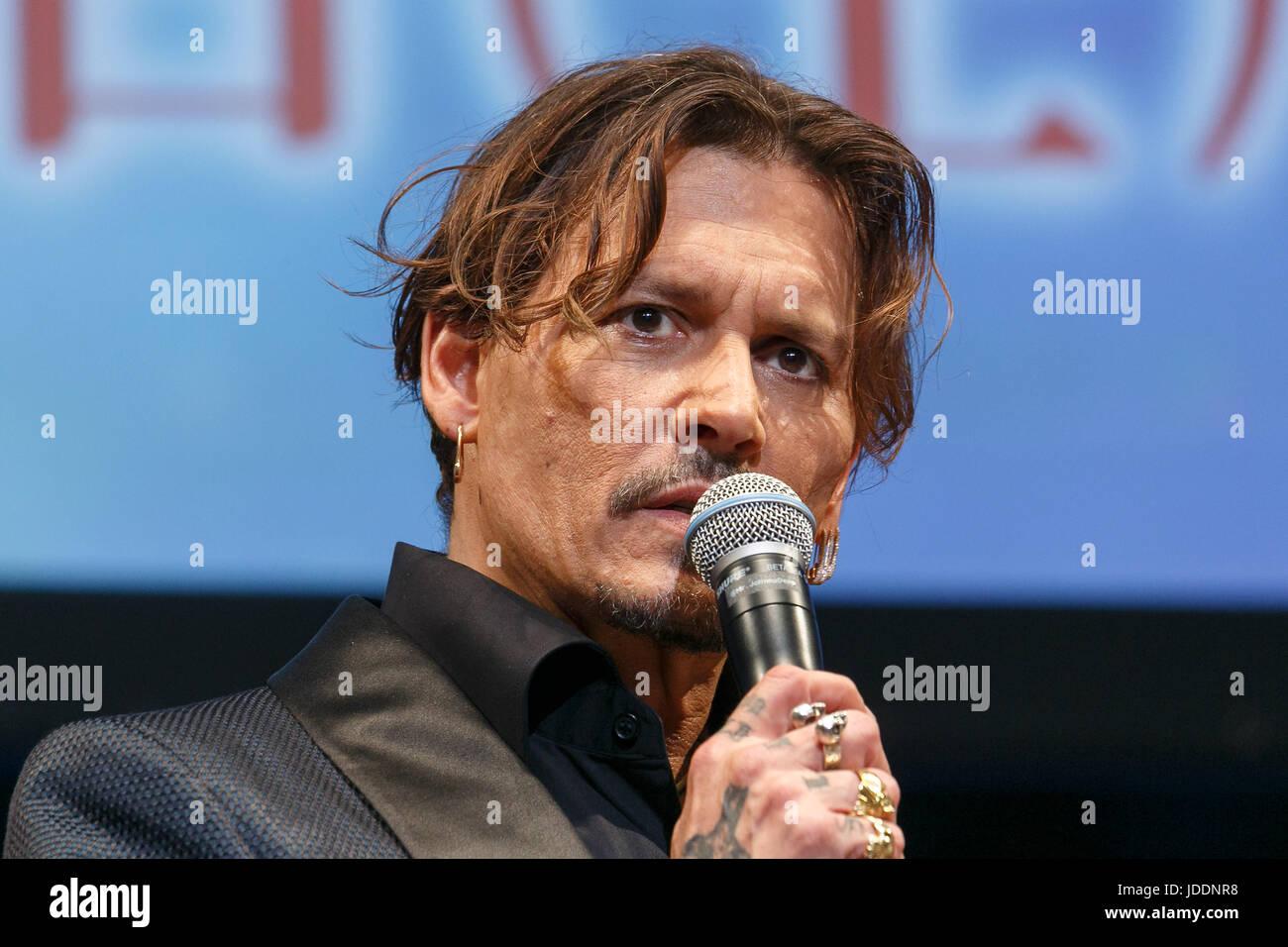 Tokio, Japón. 20 de junio de 2017. El actor norteamericano Johnny Depp, habla durante el estreno de la película Imagen De Stock