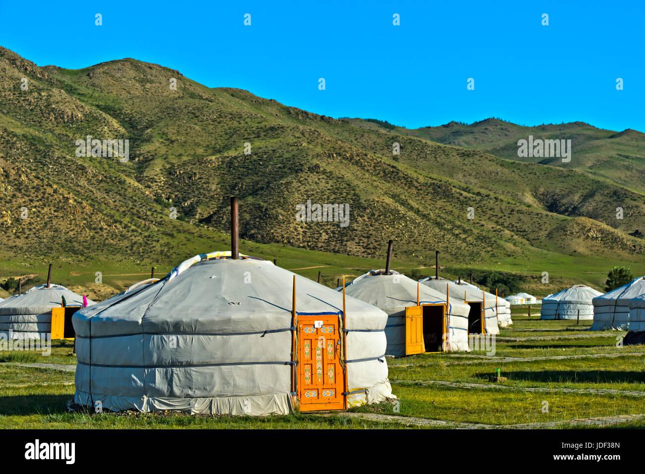 Yurts, campamento en el valle próximo Charchorin Orchon, Mongolia Imagen De Stock