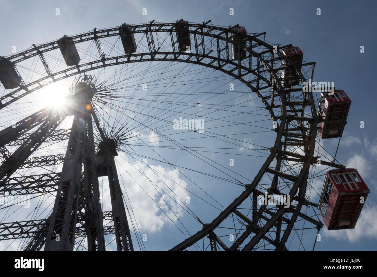 Austria. Viena. El Vienna rueda gigante en el parque de atracciones Prater Foto de stock