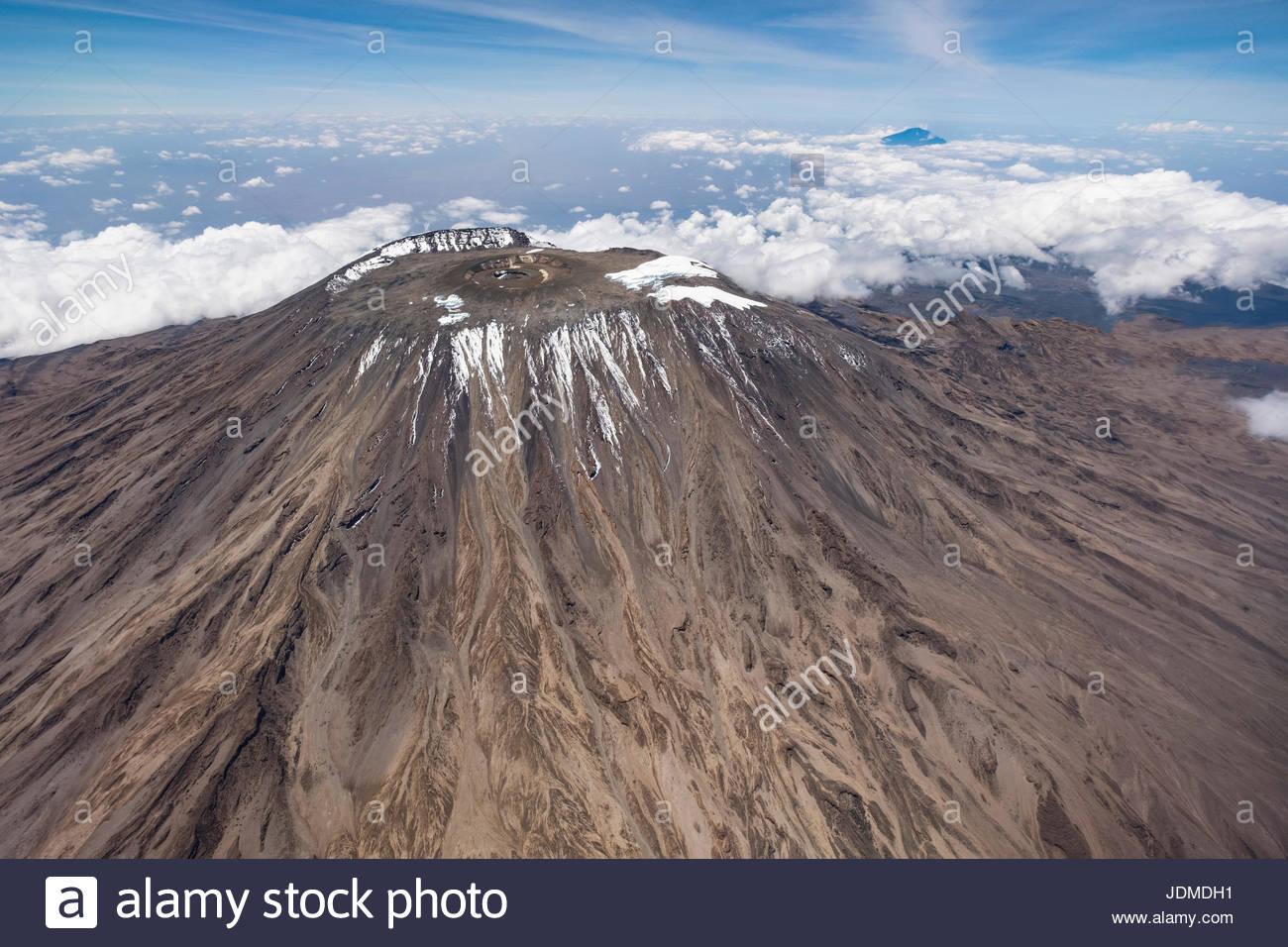 El pico del Monte Kilimanjaro. Imagen De Stock