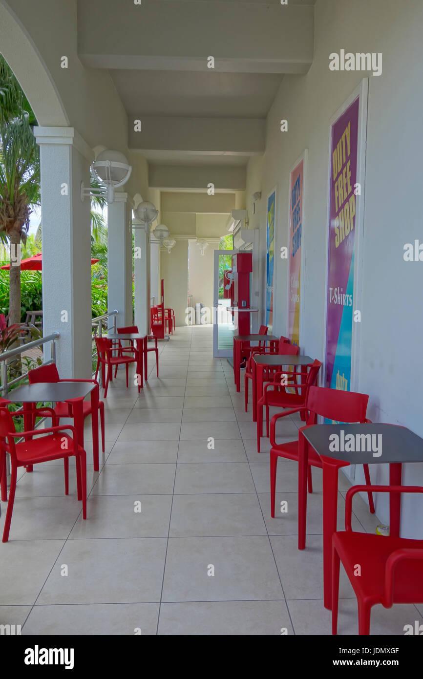 Almacenar la entrada frontal a WIFI e internet cafe en el Harbor Point Village de la Terminal de Cruceros, en San Imagen De Stock