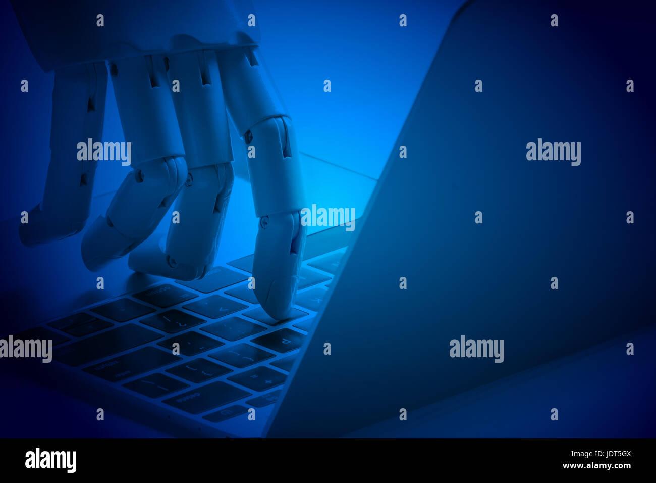 Chat bot , inteligencia artificial , robo advisor , concepto robótico. Dedo Robot elija botón portátil. Tono azul. Foto de stock