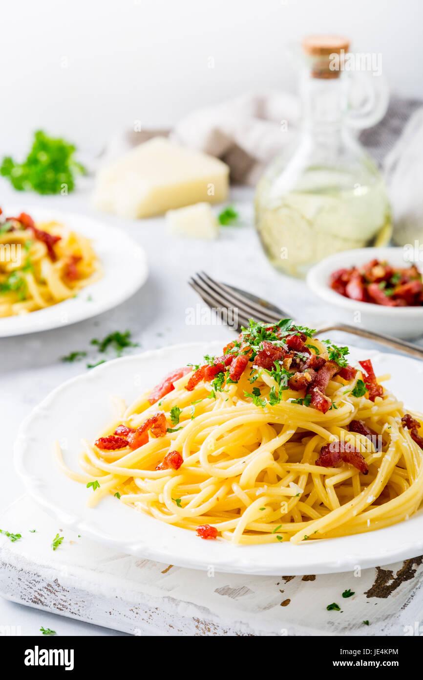 Las pastas italianas Carbonara Imagen De Stock