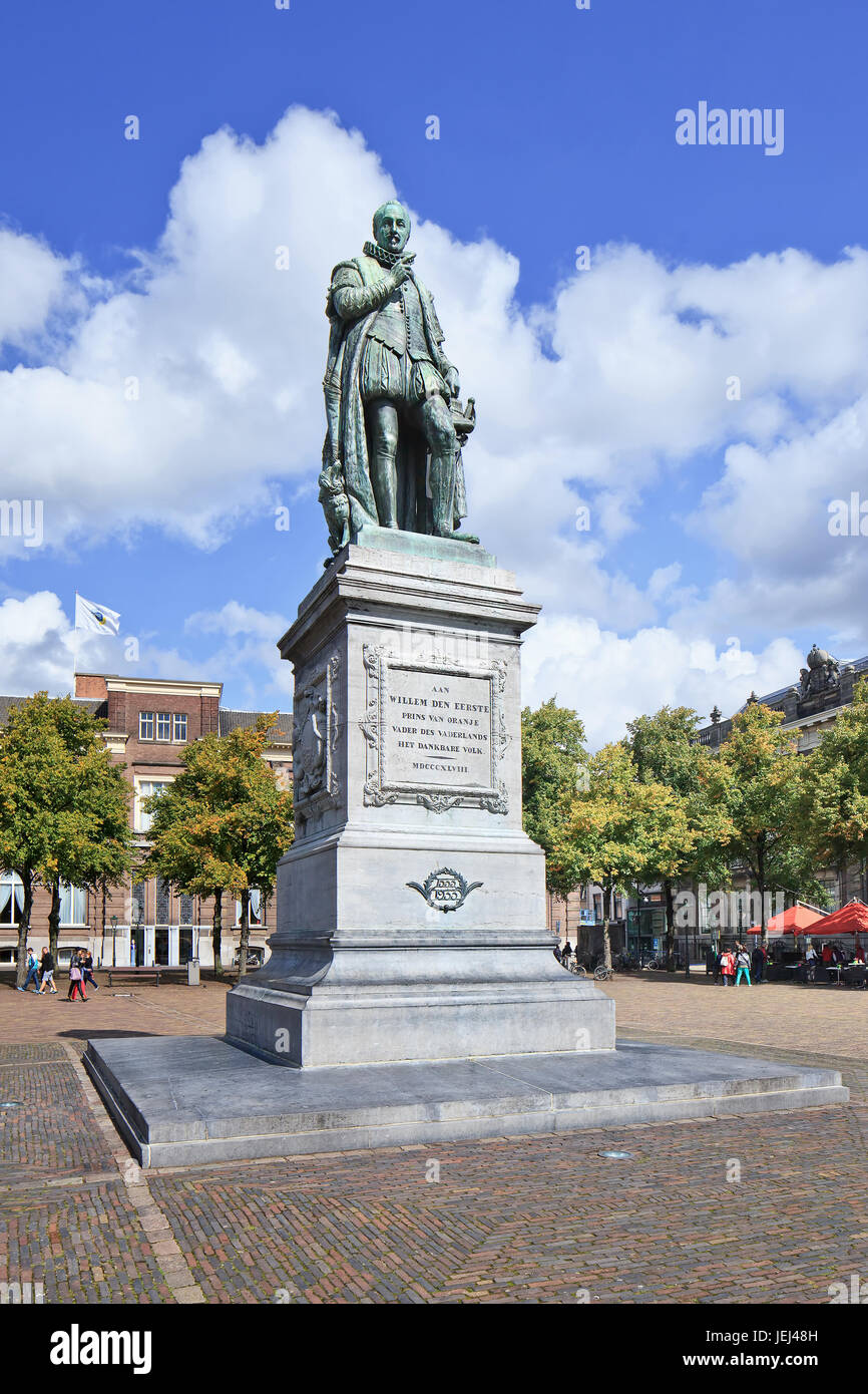 Estatua de Guillermo I, primer rey de los Países Bajos de la casa de Orange-Nassau, La Haya, Países Bajos Imagen De Stock