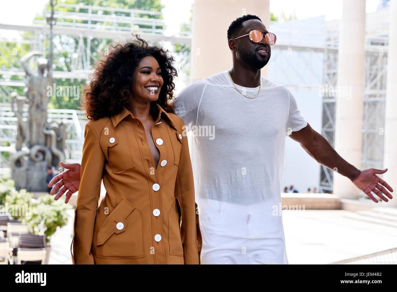 Gabrielle y Dwyane Wade Europea Wade en Rick Owens, el hombre de la Semana de la moda de París 2017-2018, Palais Foto de stock