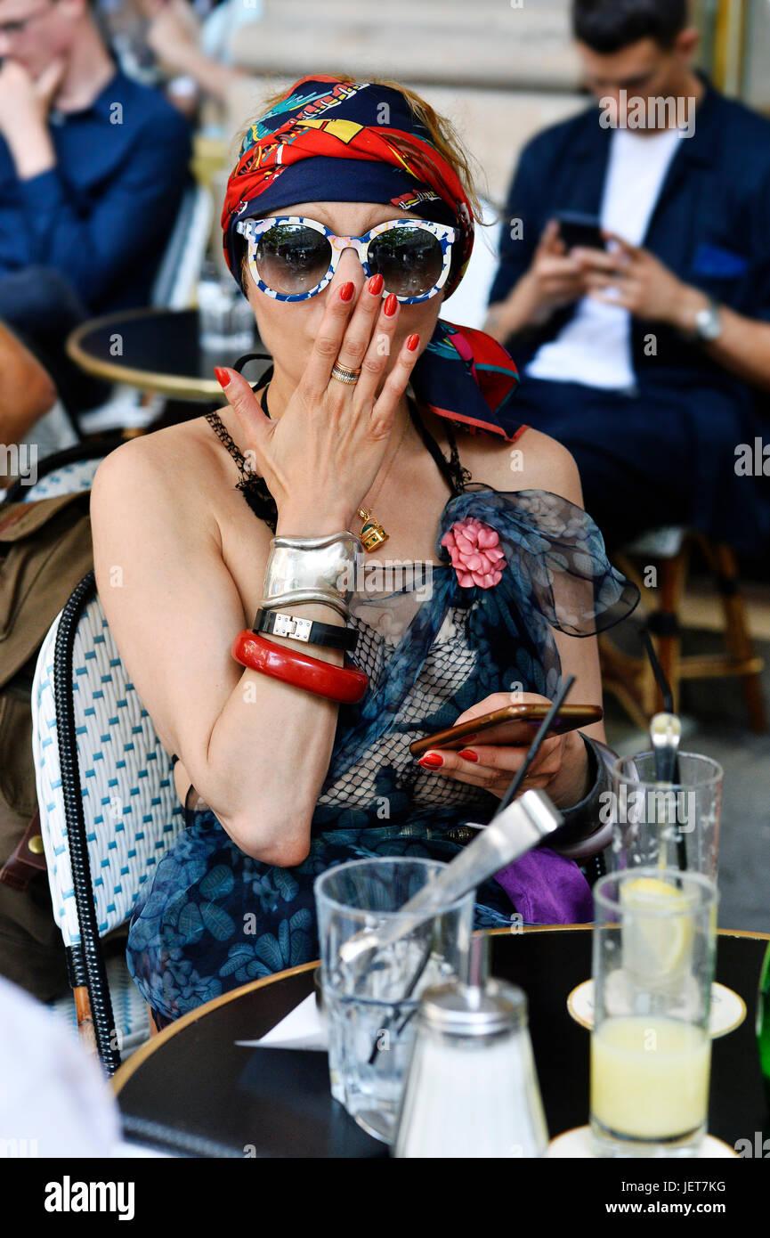 Catherine Baba a Louis Vuitton, Semana de la moda de París Hombres 2017-2018, el Palais Royal, París, Francia Foto de stock