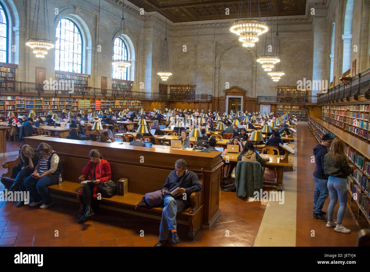 Sala de Lectura, Biblioteca Pública de Nueva York, Stephen A. Schwarzman Edificio, la ciudad de Nueva York, Imagen De Stock