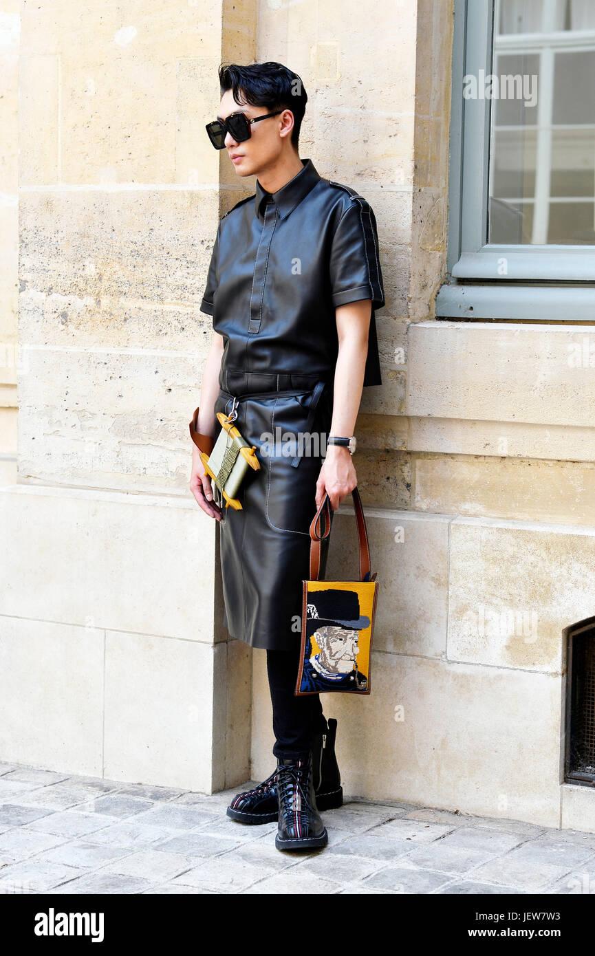 Fuera Sean Suen, Semana de la moda de París Hombres 2017-2018, Place Vendôme, París, Francia Foto de stock