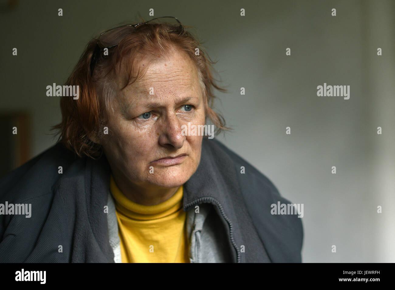 Más pelirroja mujer con depresión. Imagen De Stock