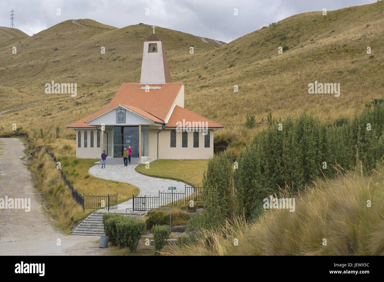 Moderna capilla en la naturaleza Quito Ecuador Imagen De Stock