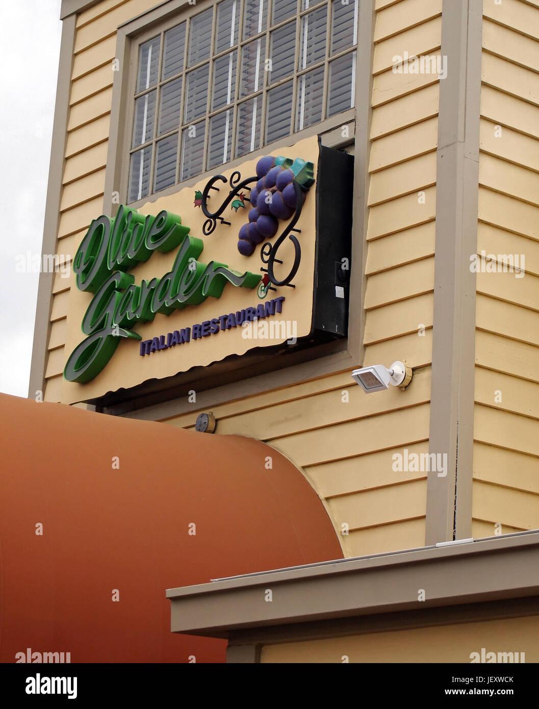 Olive Garden Restaurants Imágenes De Stock & Olive Garden ...