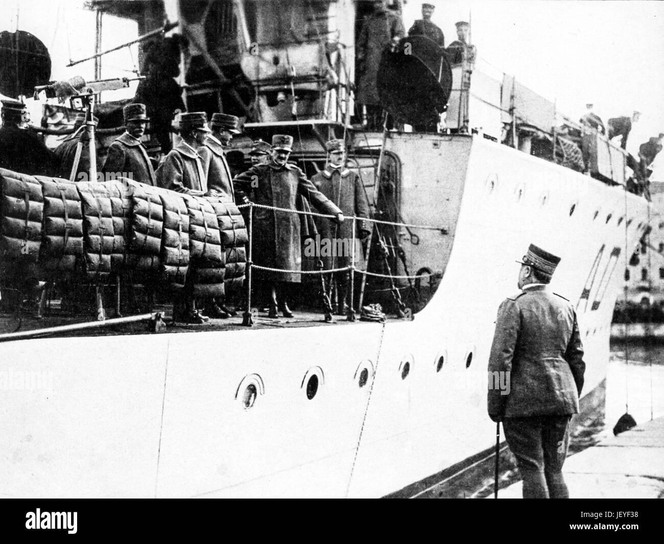 Carlo di roreto petitti, gobernador de Trieste, bienvenidos a Vittorio Emanuele III, Trieste 1918 Imagen De Stock