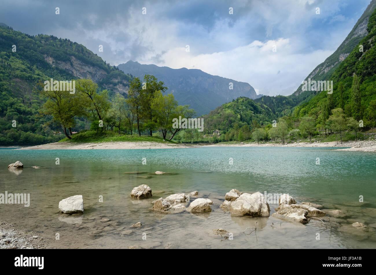 Lago di Tenno Trentino (Italia) Foto de stock