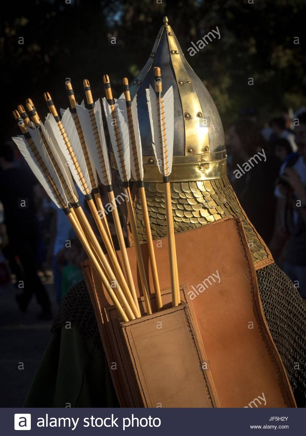 Un actor vistiendo trajes de romano en el festival romano de Tarragona. Imagen De Stock